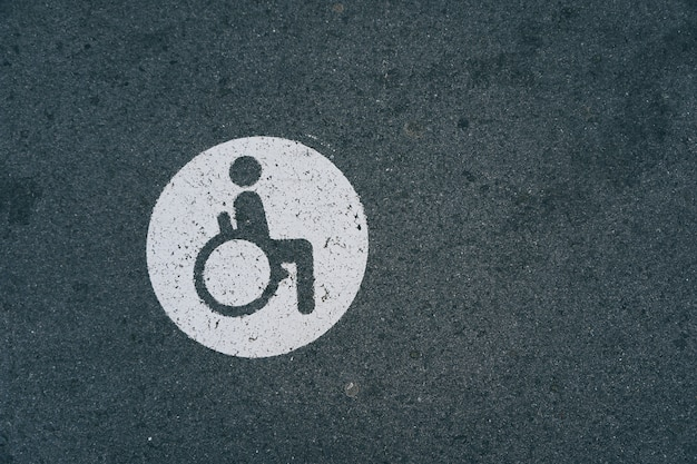 Sinal de trânsito em cadeira de rodas
