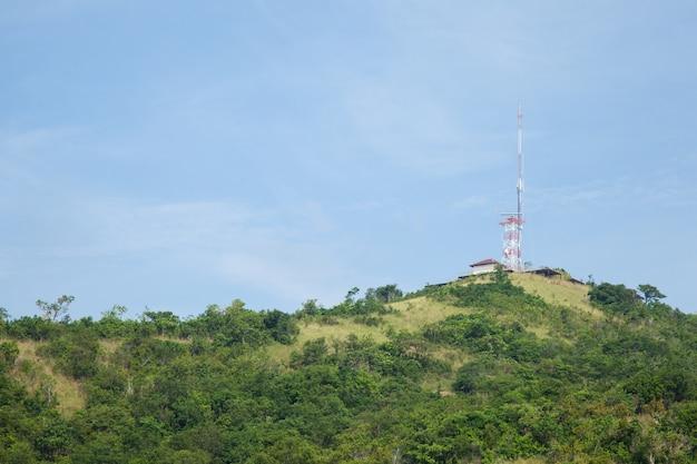 Sinalização da antena de telecomunicações.
