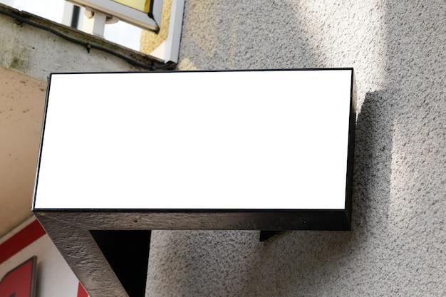 Sinalização de loja sinal de loja em branco forma quadrada exterior em edifício moderno