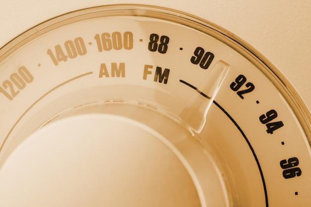 Sintonizador de rádio em estilo retrô