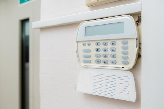 Sistema de alarme em um apartamento, casa de escritório. vigilância e console de proteção contra borracha e roubo
