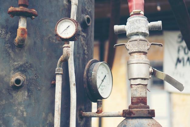 Sistema de engrenagem de válvula de aço antigo, imagem de filtro vintage
