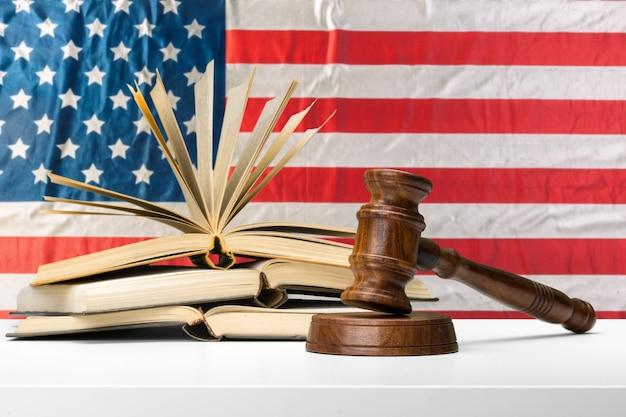 Sistema de legislação americana e justiça