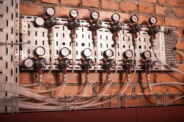 Sistema de medição de pressão na instalação de produção de cerveja