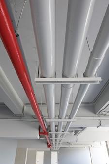 Sistema de tubulação na construção