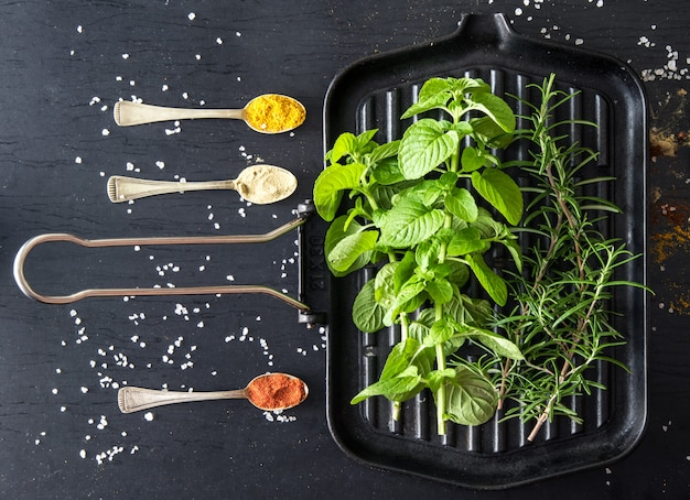 Situação com especiarias e ingredientes