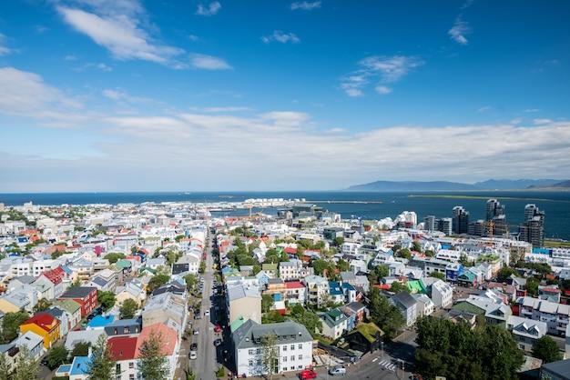 Skyline da cidade de reykjavik na islândia