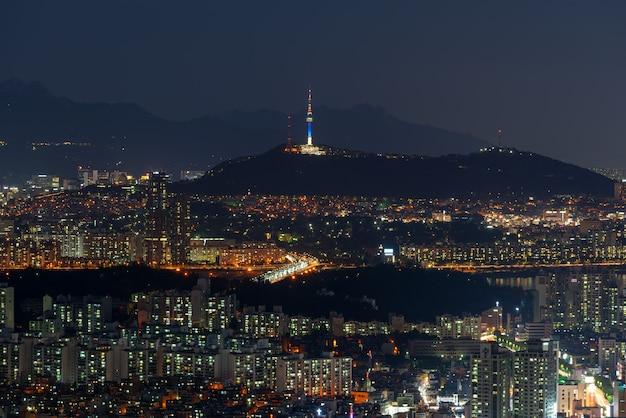Skyline da cidade de seoul na noite, coreia do sul.