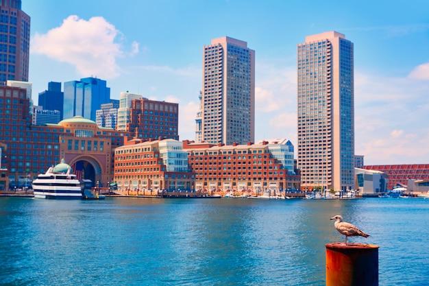 Skyline de boston massachusetts do fã pier