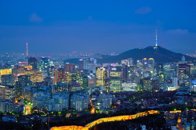 Skyline de seul na noite, coreia do sul.