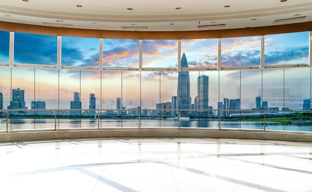 Skyline de vidro e cidade de prédio de escritórios