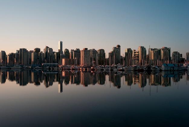 Skyline, em, anoitecer, em, vancouver, columbia britânica, canadá