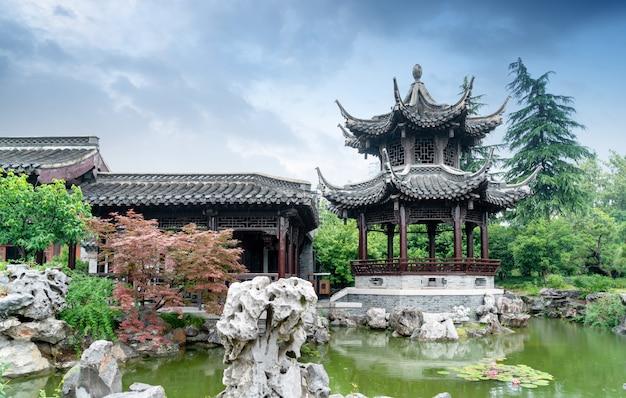 Slender west lake é um famoso ponto cênico na china