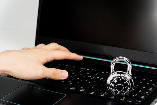 Smart hackers inseguros laptops diários