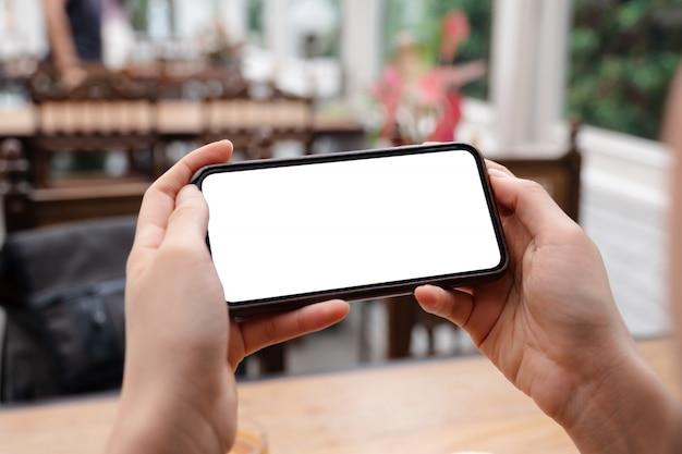 Smartphone com tela em branco