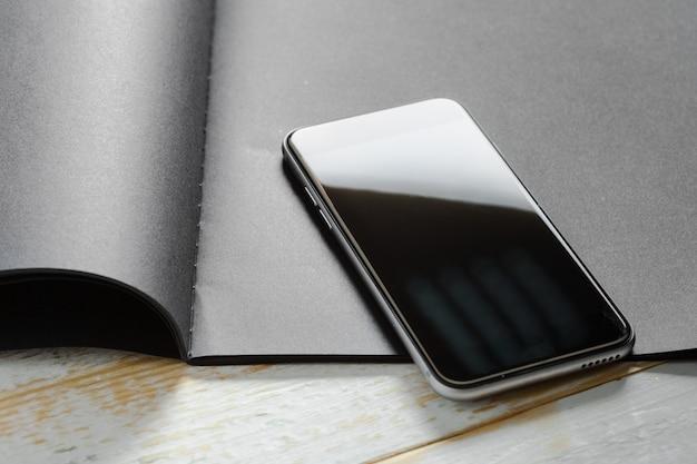 Smartphone no livro negro