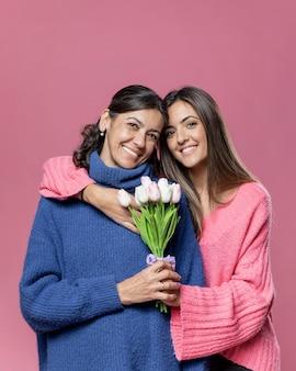 Smiley mãe e filha