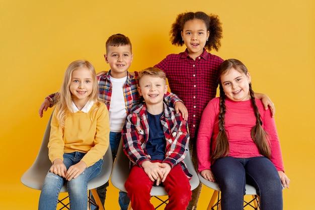 Smiley para crianças no evento do dia do livro