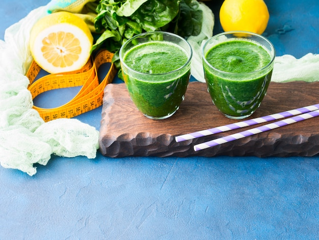 Smoothie de desintoxicação verde para dieta