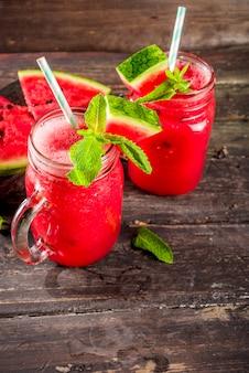 Smoothie de melancia de verão frio