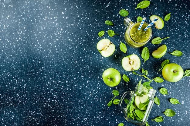 Smoothie verde com espinafre e maçãs
