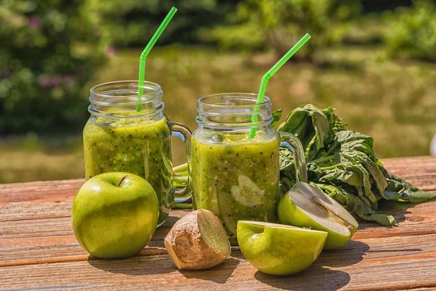 Smoothie verde vegano saudável