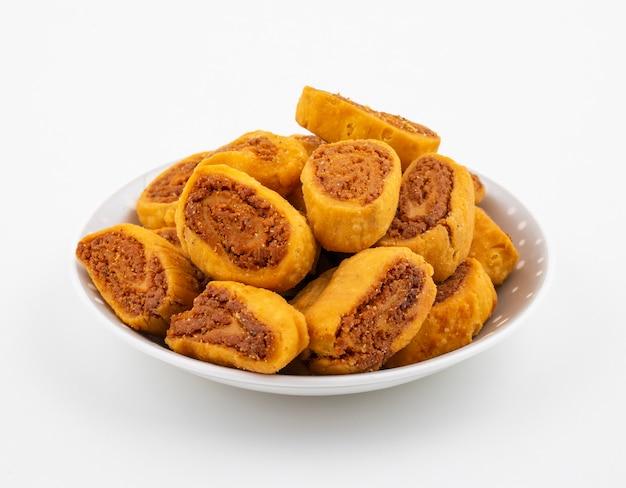 Snack indiano picante tradicional bhakarwadi