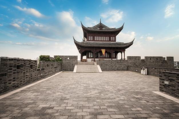 Sobras arquitetônicas das muralhas da cidade antiga em suzhou, china