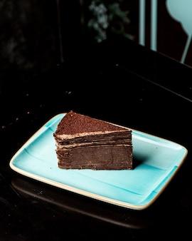 Sobremesa de chocolate com várias camadas