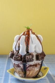 Sobremesa de gelo raspada coreana