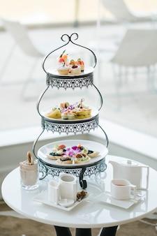 Sobremesa de luxo e chá da tarde