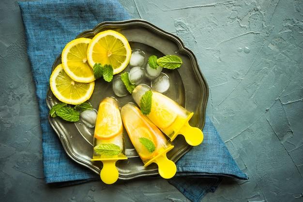 Sobremesa de verão com limão
