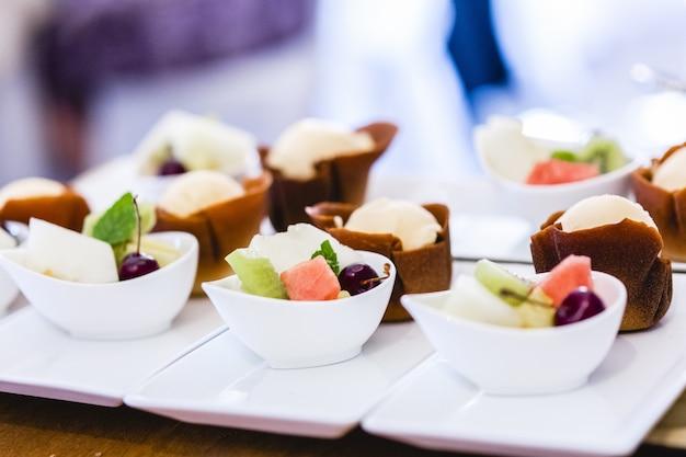 Sobremesas frias e bolos de casamento