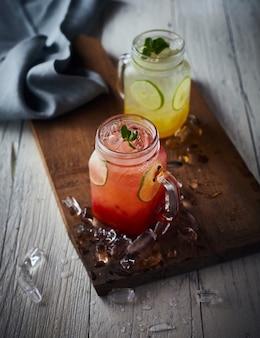 Soda italiana fresca orgânica com hortelã verde.