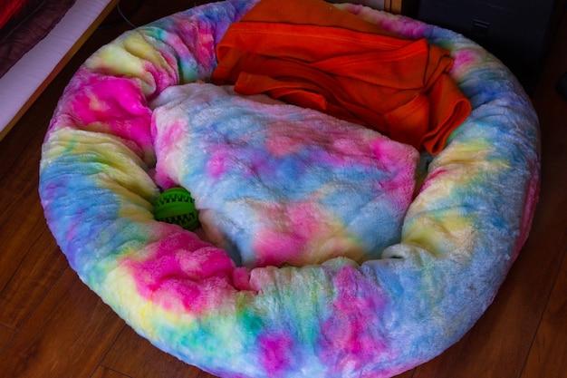 Sofá-cama colorido para animais domésticos conceitos de design original e aconchegante