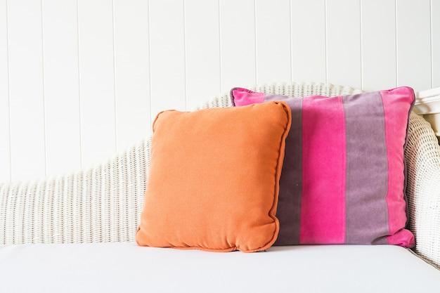 Sofá travesseiro decoração interior sala de estar