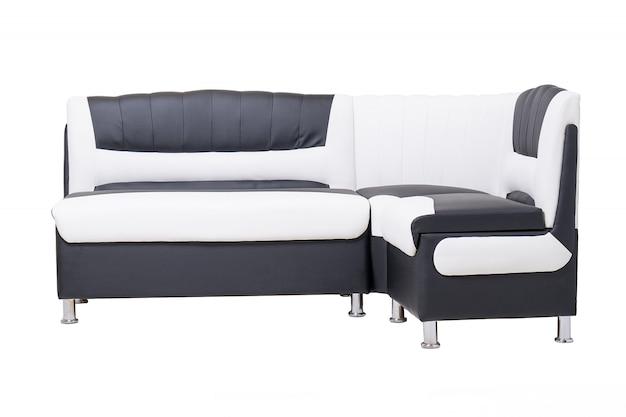 Sofá único de couro preto e branco para escritório com pernas de metal cromado isoladas em branco