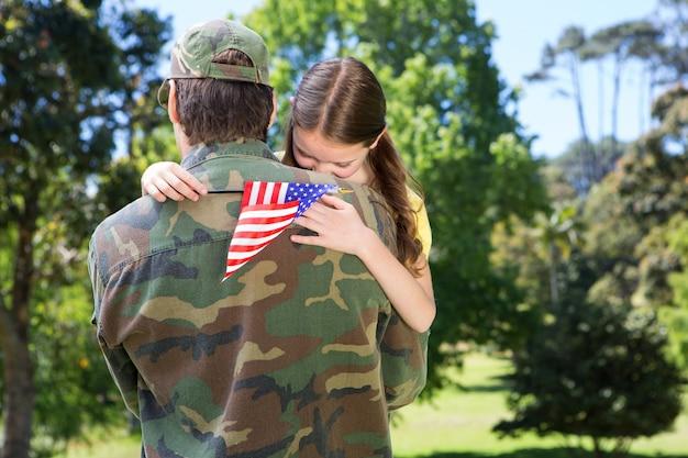Soldado americano reuniu-se com a filha