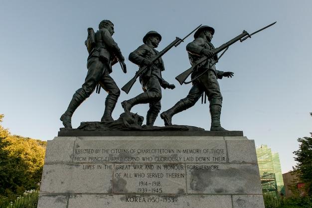 Soldado, estátuas, em, rainhas, quadrado, charlottetown, príncipe edward island, canadá