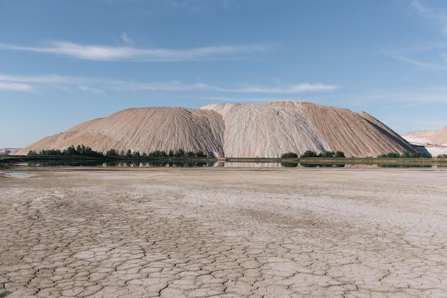 Soligorsk, mina de sal de potássio da bielorrússia, mineração de sal, montanhas de sal