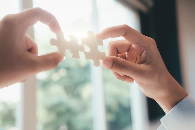 Soluções de negócios, sucesso e conceito de estratégia