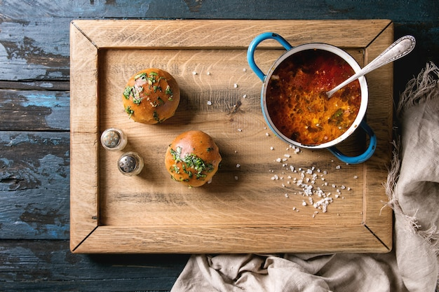 Sopa borscht tradicional