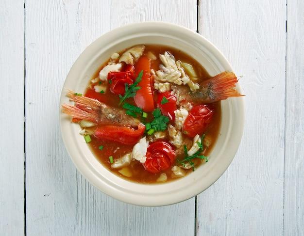 Sopa de concha - estilo jamaicano, what's cooking america Foto Premium