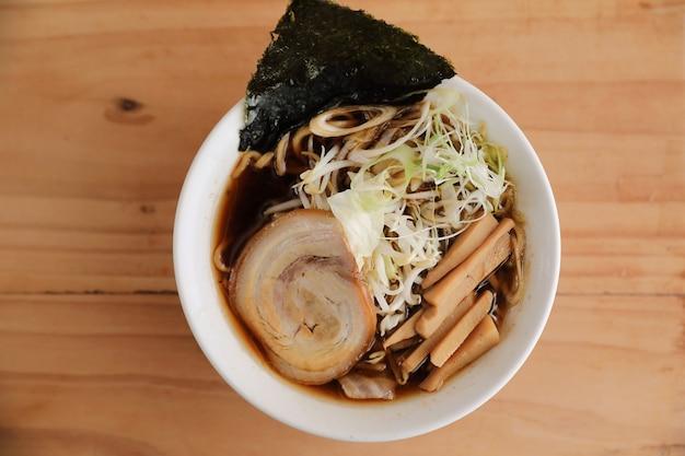 Sopa de macarrão japonês ramen comida japonesa