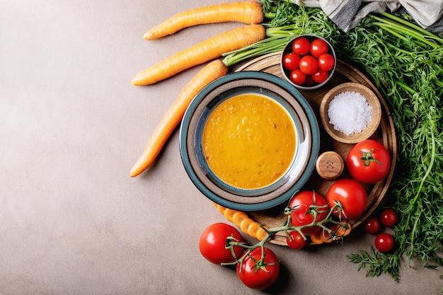 Sopa de purê de cenoura