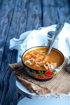 Sopa de repolho com creme azedo