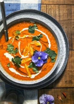 Sopa de tomate cremoso
