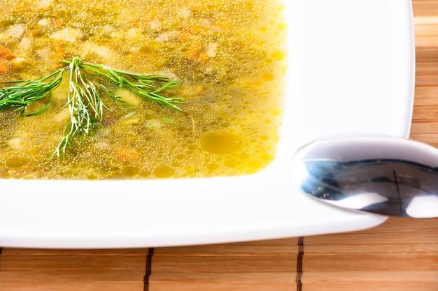 Sopa deliciosa. conceito de comida saudável