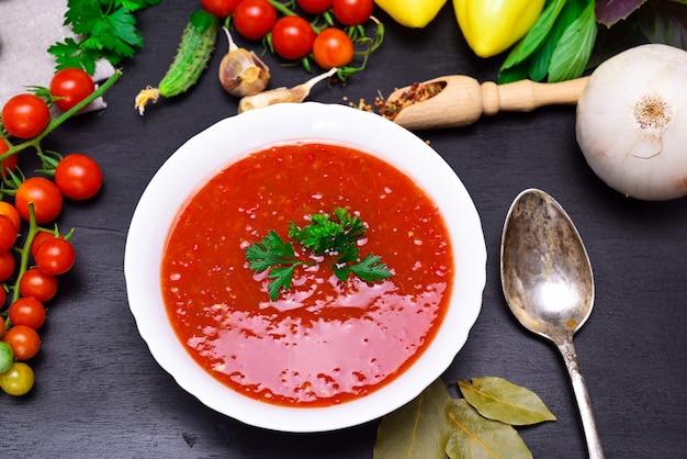 Sopa fria espanhola de gazpacho