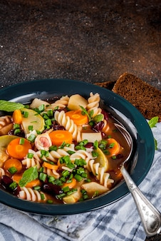 Sopa italiana minestrone